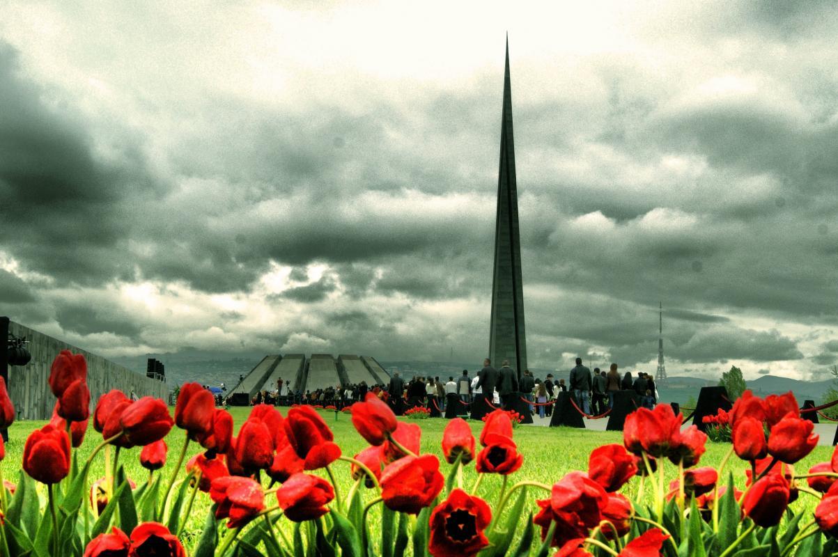1429764481_genocide-armenia-hayweb.jpg